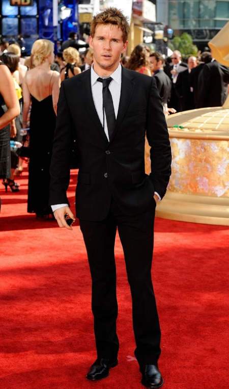 Actor Ryan Kwanten arrives at the 61st Primetime Emmy Awards hel