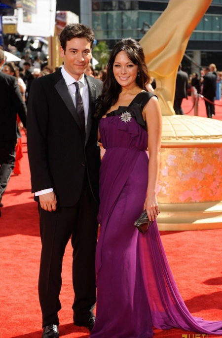Actors Josh Radnor and Lindsay Price arrive at the 61st Primetim