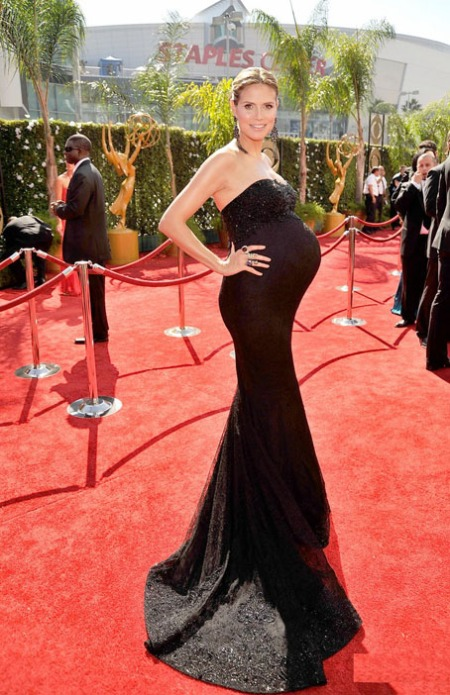 18 heidi-klum-emmy-awards-2009-01