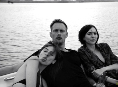 alexander-skarsgard-willa-holland-straw-dogs-01