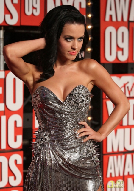 katy-perry-2009-mtv-vmas-02