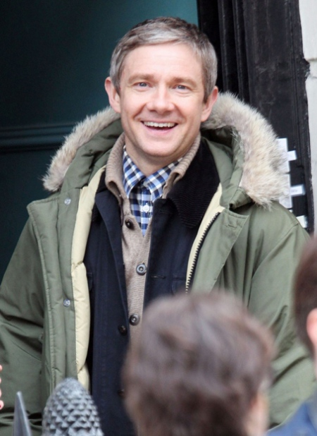 benedict-cumberbatch-sherlock-set-with-martin-freeman-04 (1)
