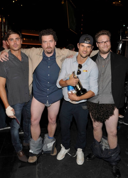 mtv-movie-awards-2013-backstage-photo-roundup-03