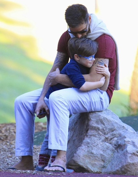 ricky-martin-bronte-park-with-the-twins