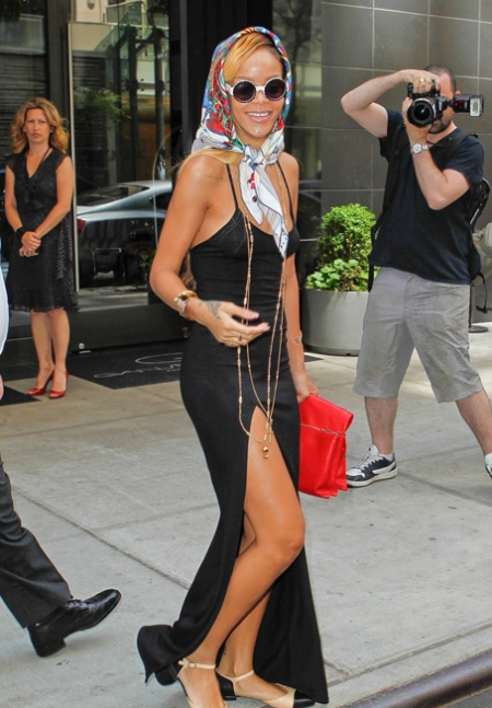 rihanna-summer-in-de-air-in-new-york