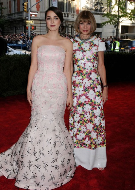 anna-wintour-met-ball-2013-with-bee-shaffer