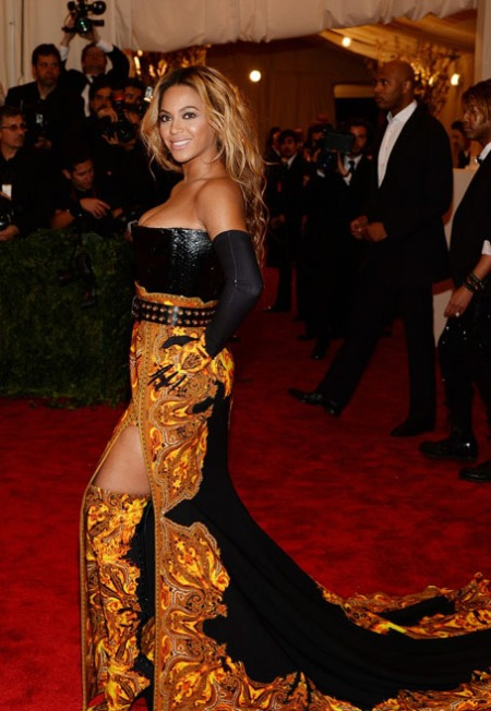beyonce-met-ball-2013-red-carpet