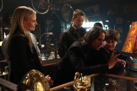 once-upon-a-time-season-2-episode-19-lacey-1