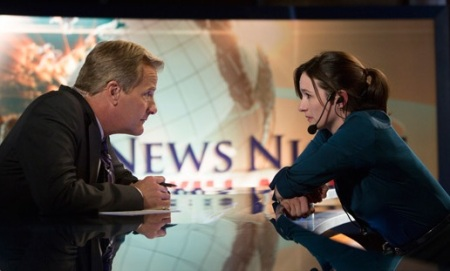 jeff-daniles-emily-mortimer-the-newsroom1-ep-5-550-hbo